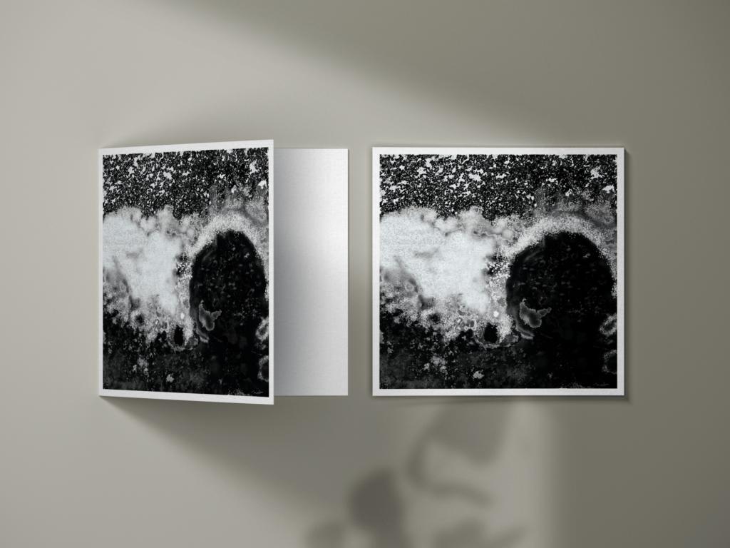 Carte postale de la Pentecôte d'Anne Turlais : Lumière dans le ciel, Présence dans les feuillages et sous les bois. Anne Turlais est une artiste qui crée des œuvres d'art profondément évocatrices qui célèbrent des moments de vie dans la nature.