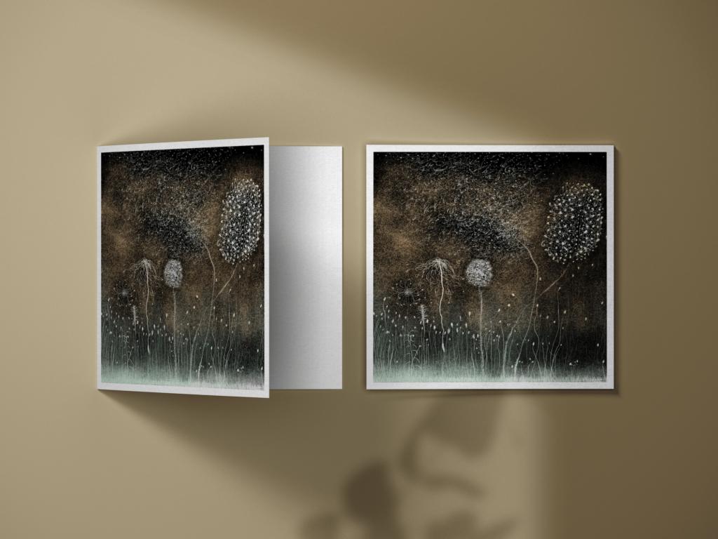 Carte Postale Nature Blanche : Dans le train en hiver je prends ma tablette et je peins. Alors que la neige recouvre, le givre quant à lui se dévoile, Et sous mes doigts la nature s'ensemence d'étoiles. Anne Turlais est une artiste qui crée des cartes postales et des estampes inspirées de ses voyages en France. Chacun d'eux est profondément ancré dans une humeur poétique.
